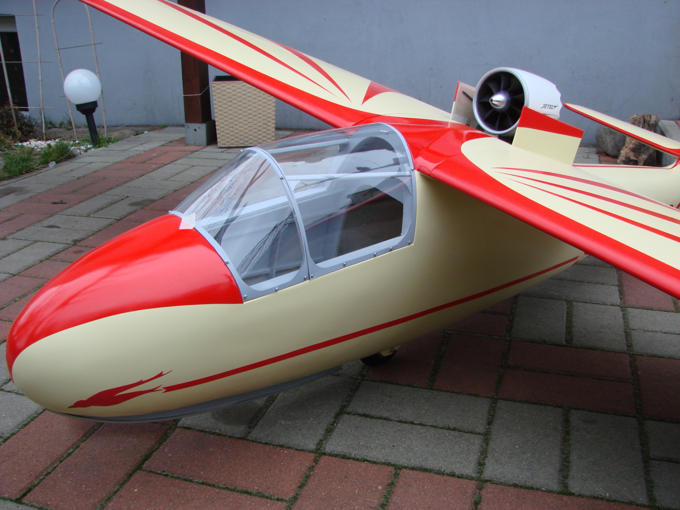 Is-4 Jastrząb Jetec